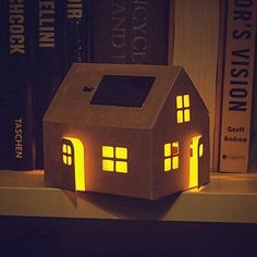 Lámpara Solar Casita de Cartón | Regalos Curiosos