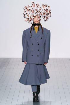 Коллекции | Ready-To-Wear | Осень-зима 2019/2020 | VOGUE Vogue Paris, Autumn, Fall, Mannequins, Ready To Wear, Runway, London, Coat, Jackets