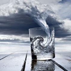 암시. 작은세계 징조. Great optical illusion art.