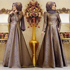 Yeni sezon  Şahsenem abiye Lila GAMZE POLAT Fiyatı 445₺  Bilgi ve sipariş için0554 596 30 32 0216 344 44 39 Alemdağ cad no 151 kat 1 Ümraniye ✈️dünyanın her yerine kargoiade ve değişim garantisikapıda ödemeçanta ve şal hediye #butikzuhal#sefamerve#elbise#tasarım#etek#tasarımabiye#drees#hijab#hijaber#hijabers#hijabi#hijabfashion#hijabswag#moda#tesettür#tesettürkombin#hijablookbok#picodafy#yenisezon#nişan#söz#alışveriş#trends#new#gamzepolat#tagsforlikes#kıyafet#özeltasarım#abiye#pınarşems
