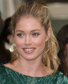 Doutzen Kroes cute and messy ponytail