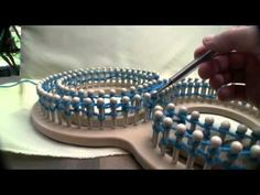Here are four very helpful tips for Loom Knitting. I think these are very useful quick tips for new or even experienced loom knitters. Loom Knitting For Beginners, Knitting Basics, Loom Knitting Projects, Loom Knitting Patterns, How To Start Knitting, Knitting Videos, Sewing For Beginners, Knitting Stitches, Knitting Tutorials