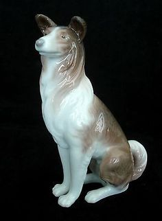 LLADRO  RARE COLLIE DOG RETIRED 1981 GLAZED PORCELAIN FIGURINE # 1316 MINT