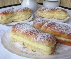 Mäkučké mini – pudingáče s vanilkovým krémom Hungarian Desserts, Hungarian Recipes, Sweet Pastries, Bread And Pastries, Almond Cakes, Special Recipes, Snacks, Sweet And Salty, International Recipes