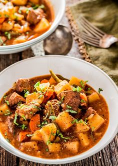 Crockpot Beef Stew - A hearty and savory slow cooker beef stew, perfect for those cold winter nights. This stew is loaded with beef, potatoes, carrots and green beans.