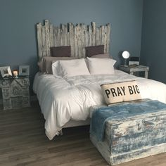Headboard Made From Pallet Wood