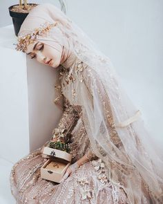 Pinned By Pinogram Hijabi Wedding, Wedding Hijab Styles, Kebaya Wedding, Muslimah Wedding Dress, Muslim Wedding Dresses, Muslim Brides, Wedding Dresses 2018, Wedding Attire, Bridal Dresses
