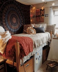 dorm room designs \ dorm room ideas + dorm room designs + dorm room + dorm room ideas for guys + dorm room organization + dorm room decor + dorm room inspiration + dorm room hacks Dorm Room Storage, Dorm Room Organization, Organization Ideas, Storage Ideas, College Dorm Storage, Diy Storage, Dorm Room Pictures, Cool Dorm Rooms, Boho Dorm Room