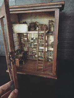 Mini-Mini Cristina Hampe Miniatures