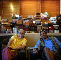 """Great to see you in your """"retirement""""  #stillsmokingafteralltheseyears ;). #elfarol #primocigarshop"""