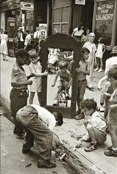 Helen Levitt - New York City, 1940