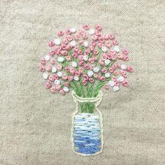 . 새로산 밀리너바늘 케이스 만드려고 💐 #핑크핑크 #안개꽃 수놓음 😌 . #프랑스자수 #손자수 #자수타그램 #꽃 #embroidery #handstitch #handmade #pink #flowers #프롬유_자수일기