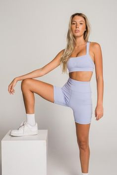 Cute Workout Outfits, Workout Attire, Sporty Outfits, Athletic Outfits, Gym Outfits, Stylish Outfits, Gym Clothes Women, Gym Shorts, Best Bike Shorts