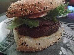 Burger Helsinki: Black'N Bleu Burger im Stone's Pub | Hubert-testet