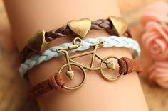 Bisikletinizi aksesuar olarak da kullanabilirsiniz. :) / Use your bicycle as a bracelet.