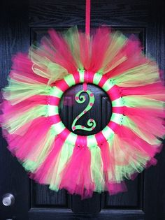 Cute DIY wreath for parties