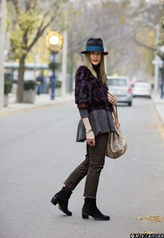 What kind of sweater or jacket ahould you wear with a peplum? Must-Try #1: The Short & Shrunken Must-Try #2: The Long & Lean