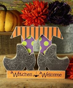 Witches Welcome/Wooden sign/Halloween decor/Witch shoes /Fall crafts Fall Wood Crafts, Halloween Wood Crafts, Fairy Halloween Costumes, Pumpkin Crafts, Fall Halloween, Holiday Crafts, Halloween Decorations, Holiday Decor, Fall Decor