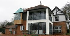 Double storey glass extension