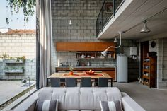 Beton Boden Polstermöbel Wohnbereich Essplatz Küche