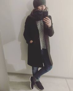 "0 tykkäystä, 0 kommenttia - @hippislove Instagramissa: ""after a day indoors feels so nice to walk  through wind. woollen coat found from recycling centre's…"" Recycling Center, Feels, Normcore, Nice, Coat, Style, Fashion, Swag, Moda"