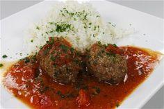 Græske ovnstegte frikadeller i tomatsovs 4