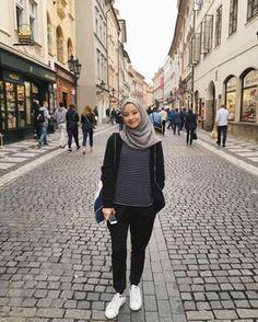 Dress hijab casual Ideas for 2019 – Hijab Fashion 2020 Hijab Casual, Ootd Hijab, Hijab Chic, Casual Outfits, Fashion Outfits, Classy Outfits, Hijab Teen, Women's Fashion, Dress Casual