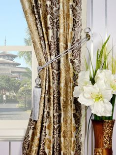 Vase damask patterns with alternating colors are finely embroidered on these silk panels. 4 background colors are available: Eggshell, Linen, Magic mint, and Celestial blue. Silk Curtains, Damask, Window Treatments, Colorful Backgrounds, Mystic, Halo, Quartz, Pattern, Top