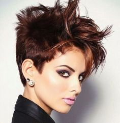 40 Short Super Spunky Shag Hairstyles Gone are the days when having a short shag haircut meant you could only style it one boring way until it eventually grew out. 40 super short shag hairstyles are here for you to look at Edgy Short Hair, Short Brown Hair, Short Hair Wigs, Short Hair Cuts For Women, Long Hair Cuts, Short Hair Styles, Short Shaggy Haircuts, Short Shag Hairstyles, Top Hairstyles