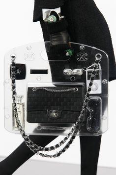 Chanel   Minimal + Chic   @CO DE + / F_ORM