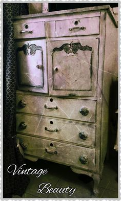 DIY shabby chic style drawer. Love it all the way.