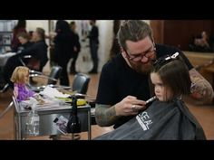 A three year old girl who cut her hair for cancer patients literally the sweetest and cutest thing I've ever seen a kid do Her Cut, Cut Her Hair, 3 Year Olds, Three Year Olds, Donating Hair, 3 Year Old Girl, Star Wars, Long Locks, Little Girls