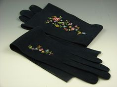 Black embroidered vintage gloves