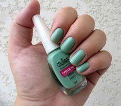 Esse verdinho lindo fica um charme nas unhas, garanta o seu aqui: www.lojadeesmaltes.com.br