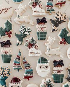 Christmas Cookie Cutters, Christmas Sugar Cookies, Holiday Cookies, Christmas Desserts, Christmas Time, Spice Cookies, Fancy Cookies, Thank You Cookies, Happy December