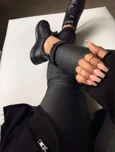 Imagen de nails, fashion, and black