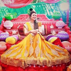 Divyanka Dazzles in Her Haldi and Mehendi Ceremonies ! We Are Just Stunned! - Eventznu.com