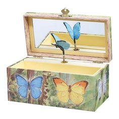 Breyer Enchantmints Butterfly Music and Treasure Box, Multicolor