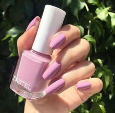 One of the nail polish that I like and don't want to erase is another. Pastel – 242 💗 Always nail polish is not always nail polish Let's chat a little bit. Perfect Nails, Gorgeous Nails, Pretty Nails, Rose Nails, My Nails, How To Do Nails, Glitter Nails, Nail Art Designs, Acrylic Nail Designs
