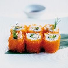 Sushirijst - recept - okoko recepten Sushi Recipes, Raw Food Recipes, Oyster Recipes, Cant Stop Eating, Gourmet Desserts, Plated Desserts, How To Make Sushi, Homemade Sushi, Kitchens