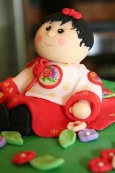 Girl in Korean hanbok, fondant cake topper | Das Cookie