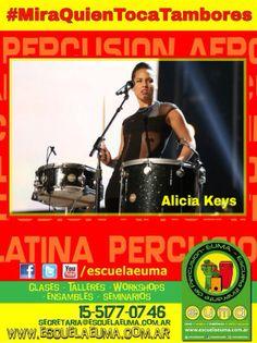 BUENOS DIAS! Hoy es martes de #MiraQuienTocaTambores/ Compartiremos fotografías de famosos tocando percusión! Si tenés alguna, compartila con nosotros! hoy, Alicia Keys