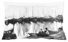 koristetyyny mustavalkoinen, sisustustyyny meriaihe, tyynynpäällinen meriaihe, matkamuisto Kotkasta  www.miaogalleria.com