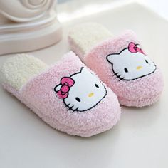 Cheap mop yarn, Buy Quality slippers massage directly from China mop pad Suppliers: New Women Cartoon cat home cotton slipper Winter lovely female slippers plush keep warm no-slip breathable soft cotton mop Winter Slippers, Cute Slippers, Slippers For Girls, Womens Slippers, Hello Kitty House, Hello Kitty Items, Decoracion Hello Kitty, Kawaii, Hogwarts