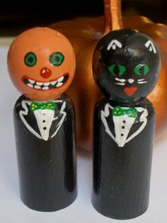 tutorial for vitage halloween peg people, we will try this as a bunting with normal dolly pegs (painted) alternating with tissue ghosts