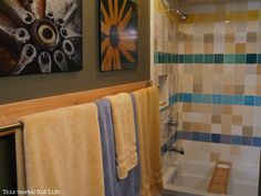 This (sorta) Old Life: Custom DIY towel bar