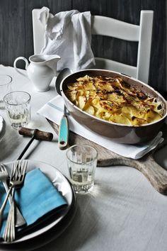 Gratinado de batatas com bacalhau e ameijoas