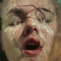 In her series Aqua, American artist Reisha Perlmutter paints the most hyperrealistic images of beautiful bathing women. With their heads underwater, eyes closed and bubbles sprouting from their nostrils. Foto Portrait, Pencil Portrait, Underwater Painting, Realistic Paintings, Realistic Drawings, Alphonse Mucha, Foto Art, Disney Films, Photomontage