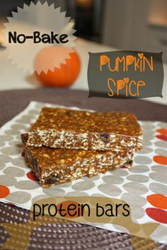 No-Bake Pumpkin Spice Chewy Protein Bars - so good, so easy, great for snacks