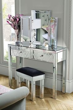mirrored console table bedroom hall accent entry way glass desk modern furniture contemporary mirror Glass Desk, Glass Vanity, Mirrored Furniture, Home Decor Furniture, Mirrored Sideboard, Mirrored Table, Modern Vanity, Modern Desk, Dressing Table Design
